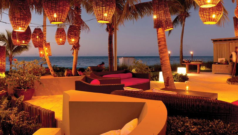 The Lounge Restaurant Grace Bay Club Turks and Caicos