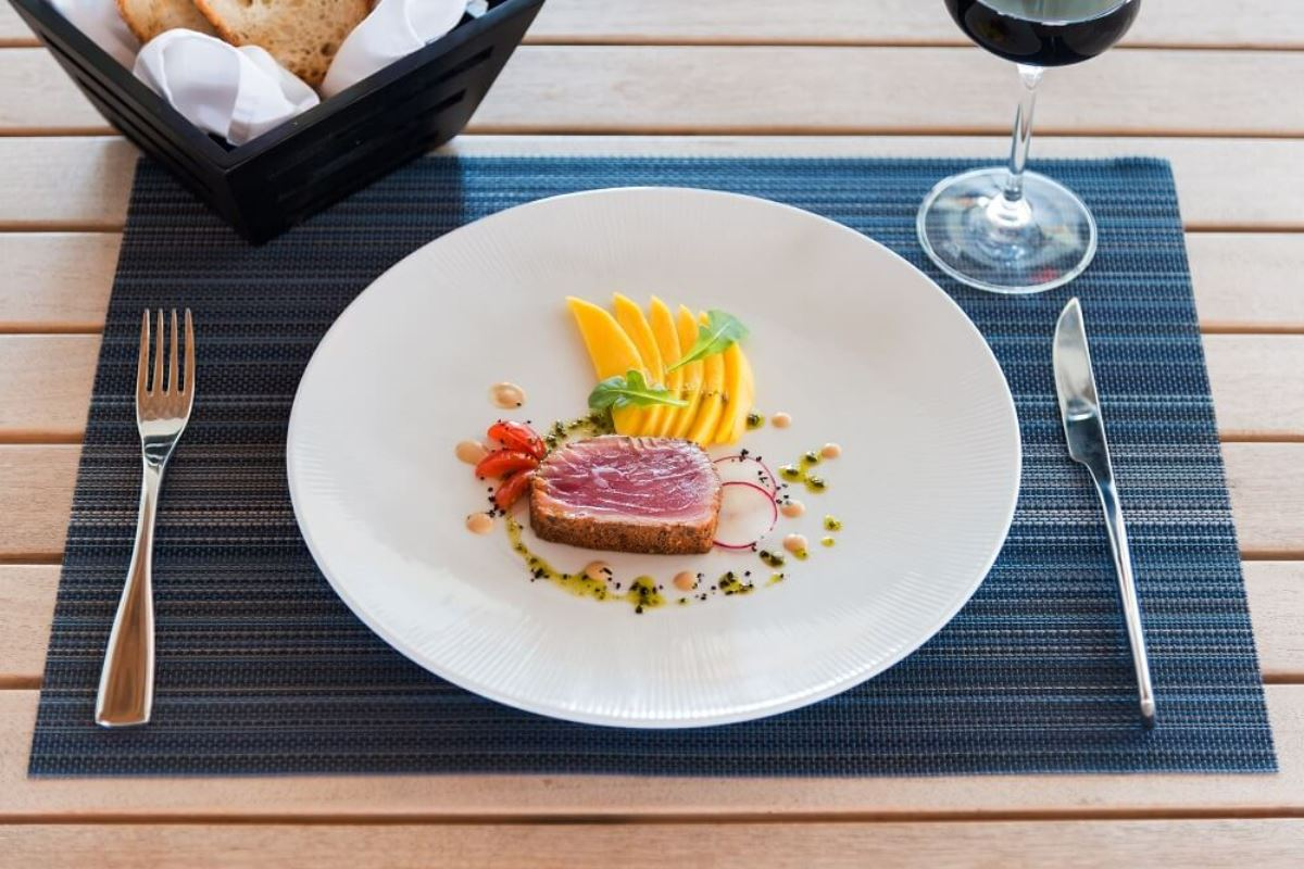 Sailrock-Resort-Great-House-Restaurant-Ahi-Tuna